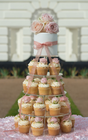 fresh flower rose bud wedding cupcakes