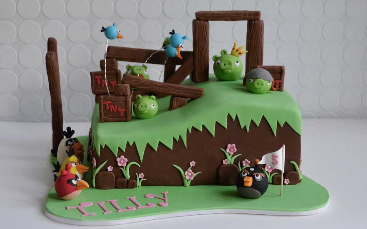 Fantastic Angry Birds Cake Bespoke Celebration Cakes For All Occasions Funny Birthday Cards Online Elaedamsfinfo