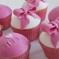bieber pink girls cupcakes