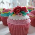 festival hen do cupcakes