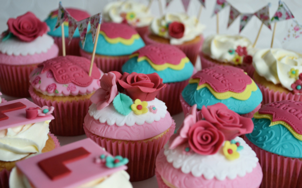 Hen Party cakes cupcakes