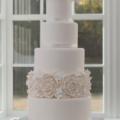 modern-vintage-white-rose-hydrangea-wedding-cake