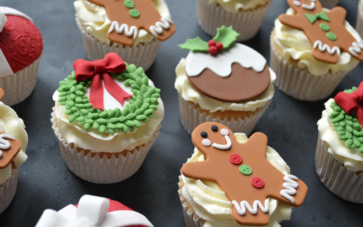 Christmas Cake Gifts Uk