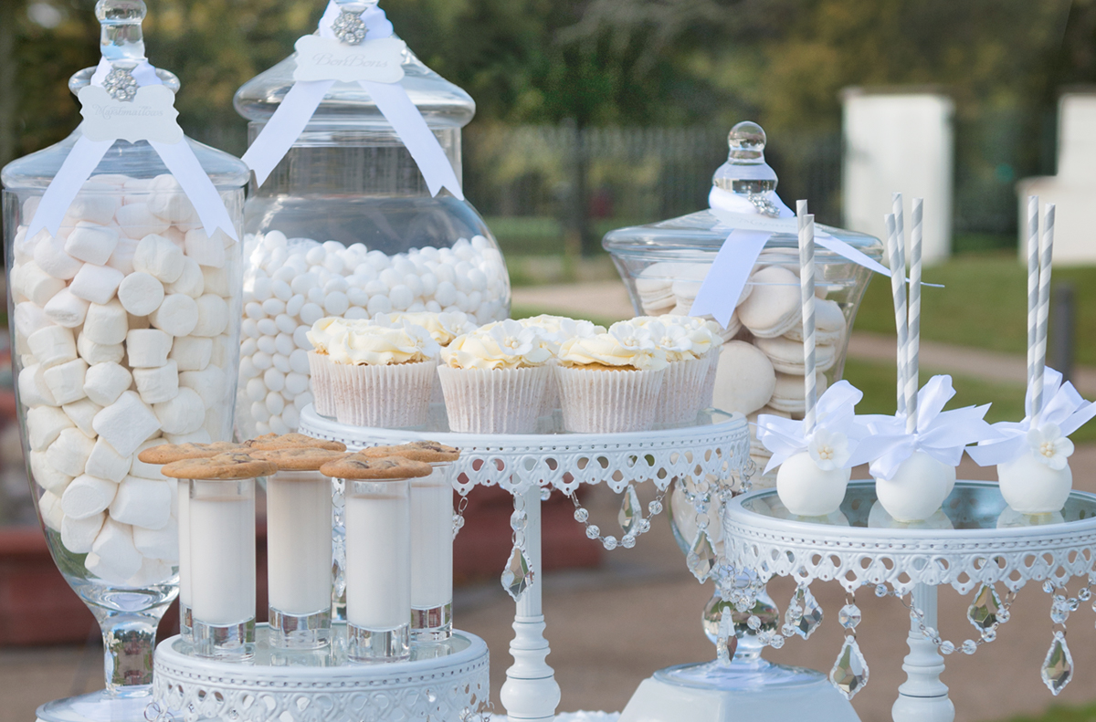 wedding cake candy buffet
