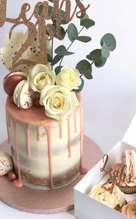 girls 21st cake